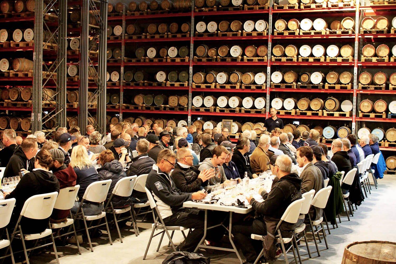 Normalt så ser det ut så här när det är dags för whiskyprovning hos High Coast Destillery AB. Men nu blev det en digital sådan!